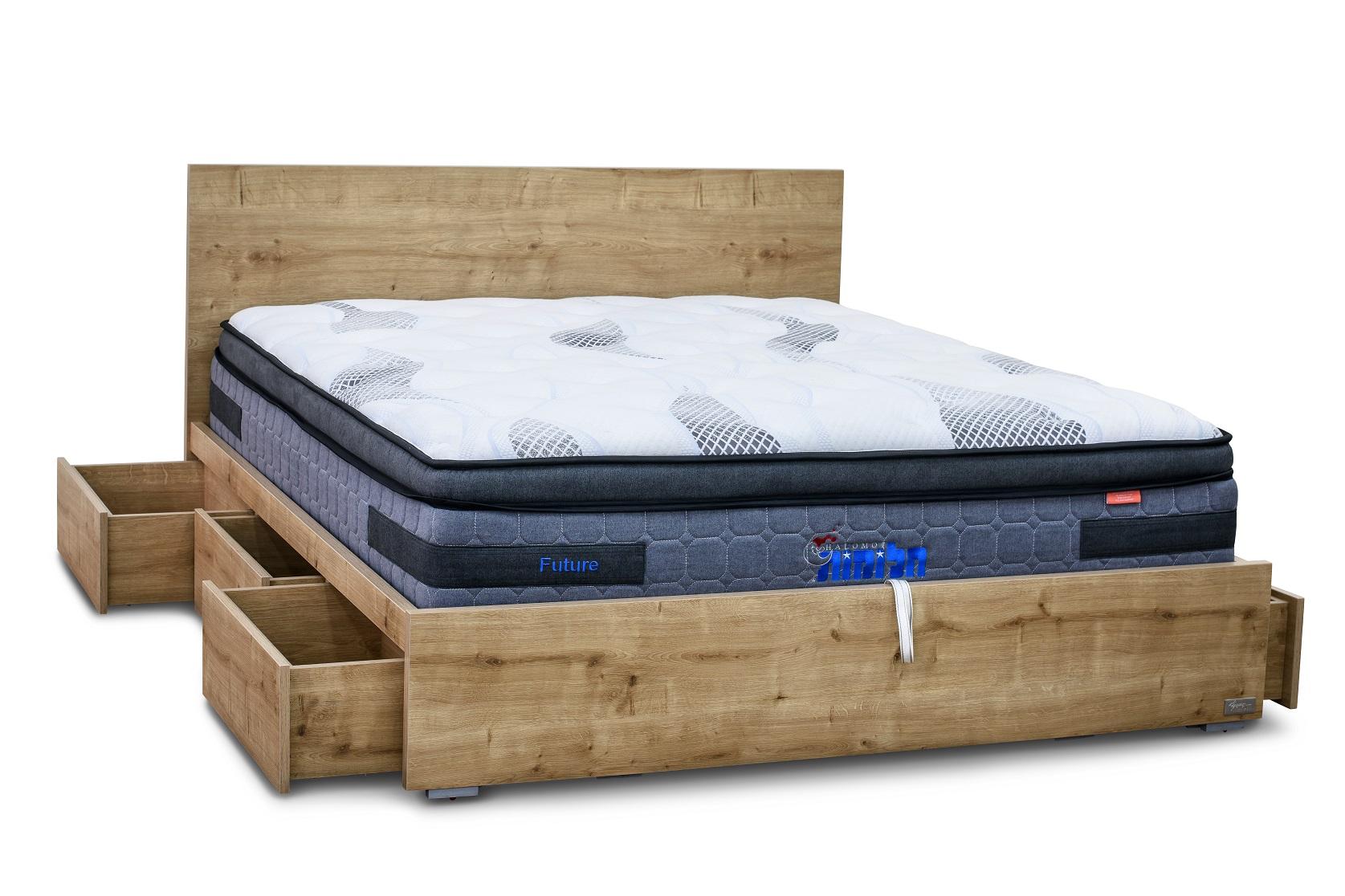 מיטה זוגית עם ארגז חכם