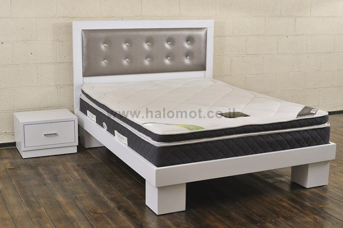 מיטה זוגית עם ראש מיטה מרופד - דגם טוקיו