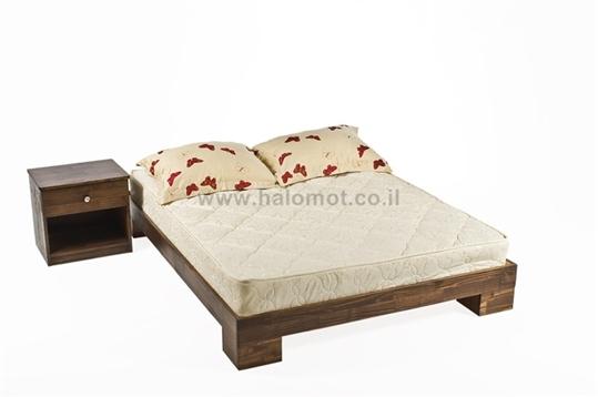 מיטה חלום וחצי מעץ מלא - דגם טייפון