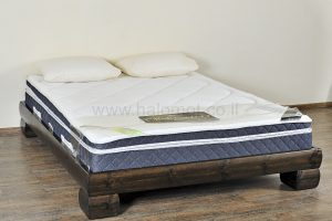 מיטה זוגית מעץ מלא דגם סקויה