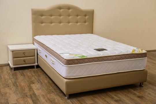 מיטה מרופדת דגם כתר
