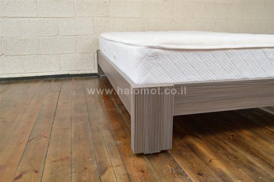 מיטה זוגית במבצע דגם גיא