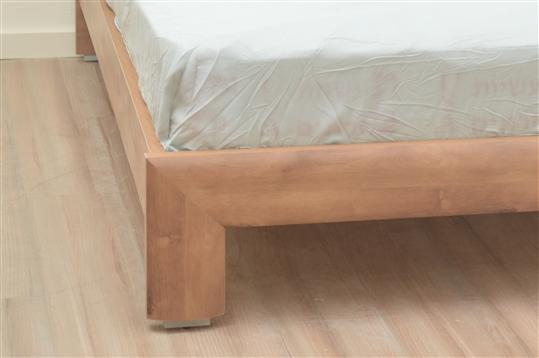 מיטה זוגית במבצע דגם סתיו