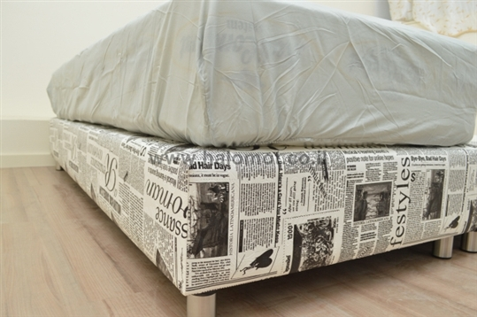 מיטה יהודית בסיס מרופד