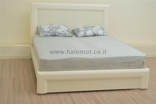 מיטה זוגית עם ארגז מצעים סתיו פלוס