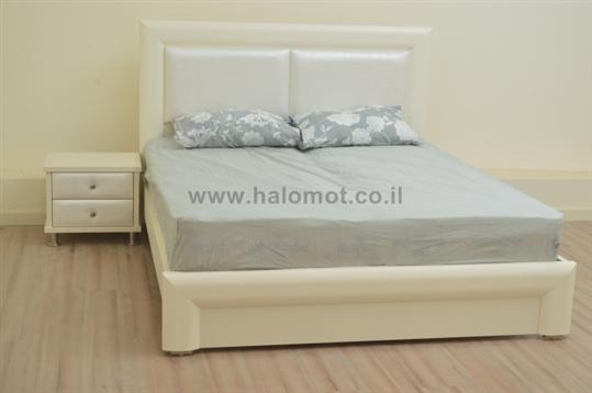 מיטה זוגית סתיו עם ראש מרופד
