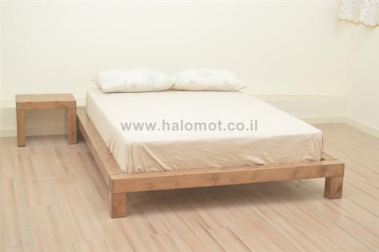 מיטה זוגית מעץ מלא דגם אלמוג