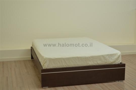 מיטה זוגית עם ארגז מצעים אמיר
