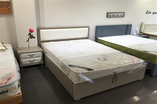 מיטה זוגית עם ארגז מצעים דגם קרמבו