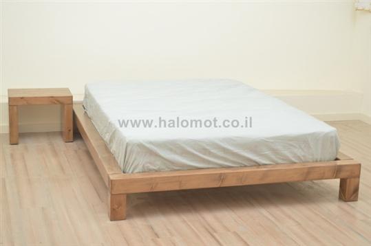 מיטה חלום וחצי מעץ מלא - דגם אלמוג