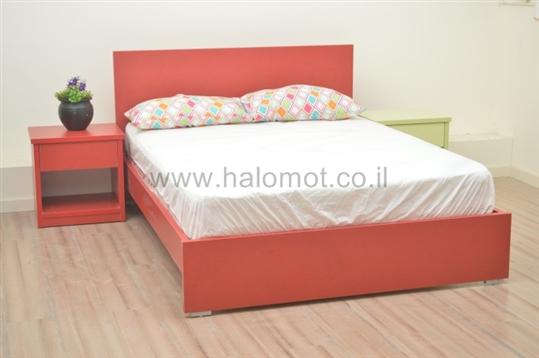 מיטה דגם איריס מצעים וראש
