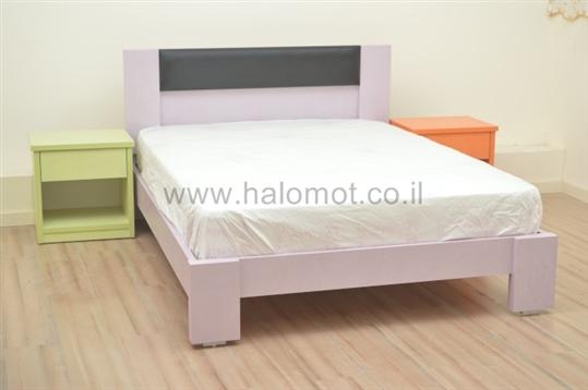 מיטה דגם יסמין מרופד