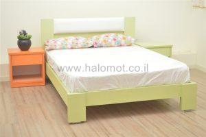 מיטה זוגית בגווני פסטל