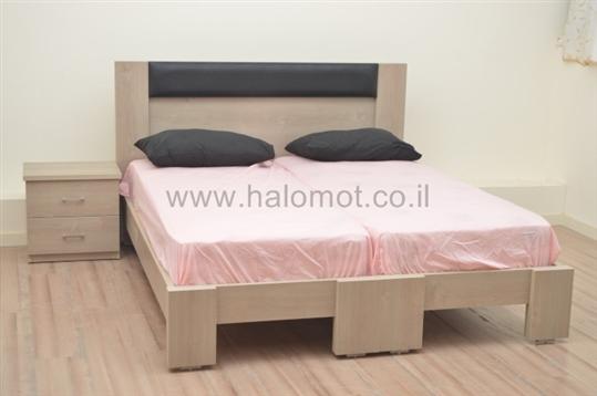 מיטה יהודית מעוצבת גיא פלוס מרופד