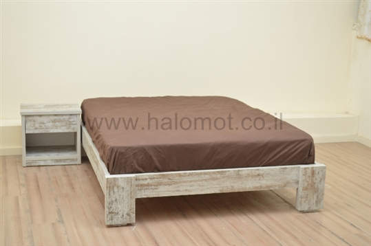 מיטה זוגית דגם וינטג