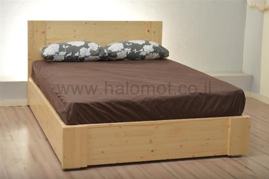 מיטה חלום וחצי מעץ אורן דגם רפאל