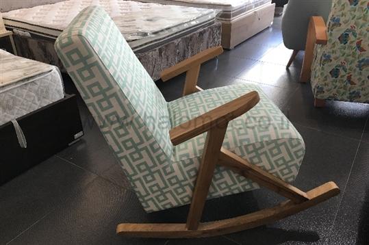 כסא נדנדה לסלון