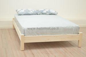 מיטה זוגית מאור צבוע מעץ אורן