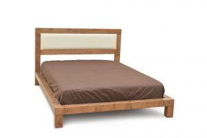 מיטה זוגית מעץ מלא אלמוג מרופד
