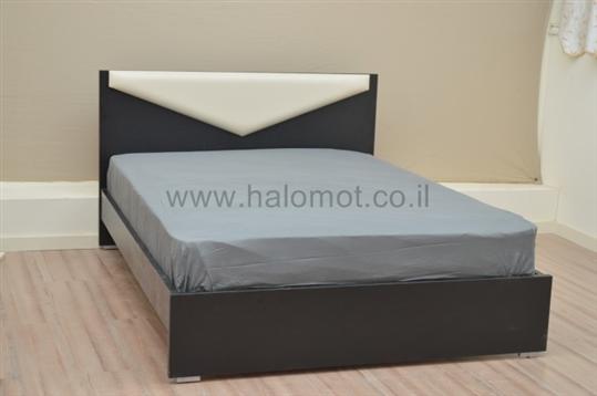 מיטה זוגית דגם בומרנג