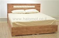 מיטה זוגית מעוצבת לחדר שינה