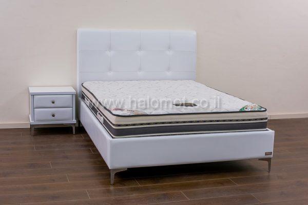 מיטה זוגית מרופדת דגם קורין