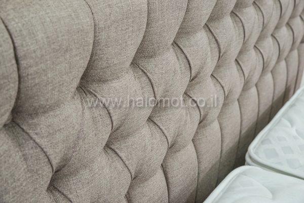 מיטה זוגית מרופדת דגם עינב