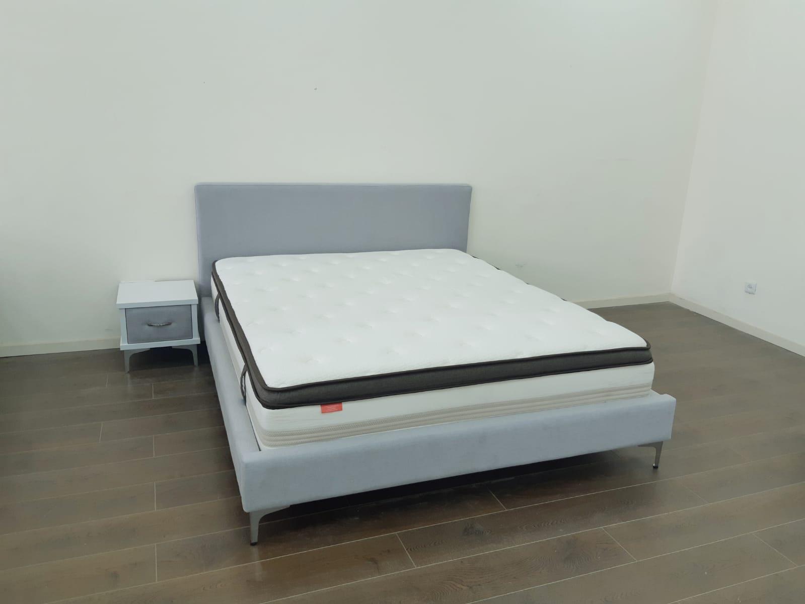מיטה זוגית מרופדת דגם ליאת