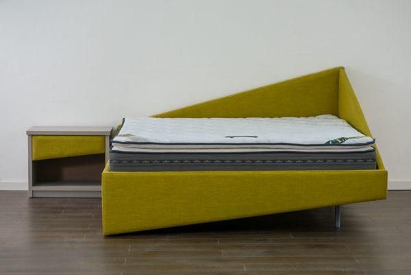 מיטה זוגית מרופדת דגם נטע